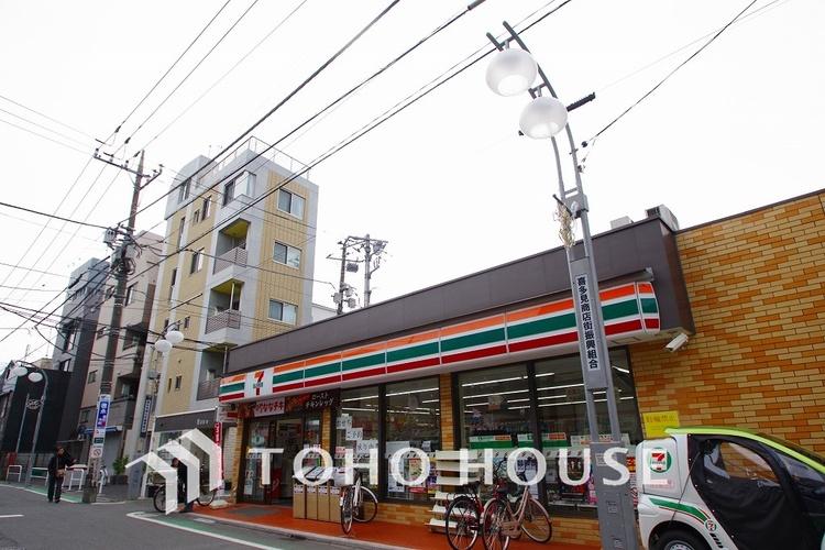 セブンイレブン 世田谷喜多見駅前店 距離1700m