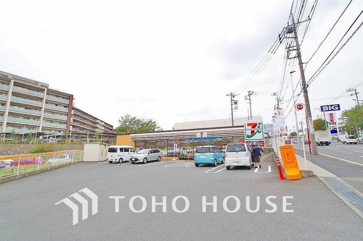 セブンイレブン 川崎犬蔵3丁目店 距離300m