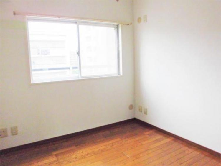 ●シンプルな色使いのお部屋はバリエーションが楽しめますね!