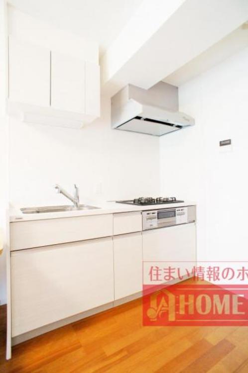 収納豊富なシステムキッチン!お料理の幅も広がりそうです!