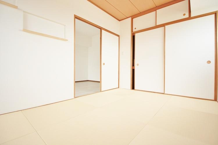 「寛ぎの和室」日本で生まれた世界に誇る文化の一つ、和み室がある幸せを満喫して頂けます。お子様の遊び室から客間としてまで、多様なシーンに対応できます。