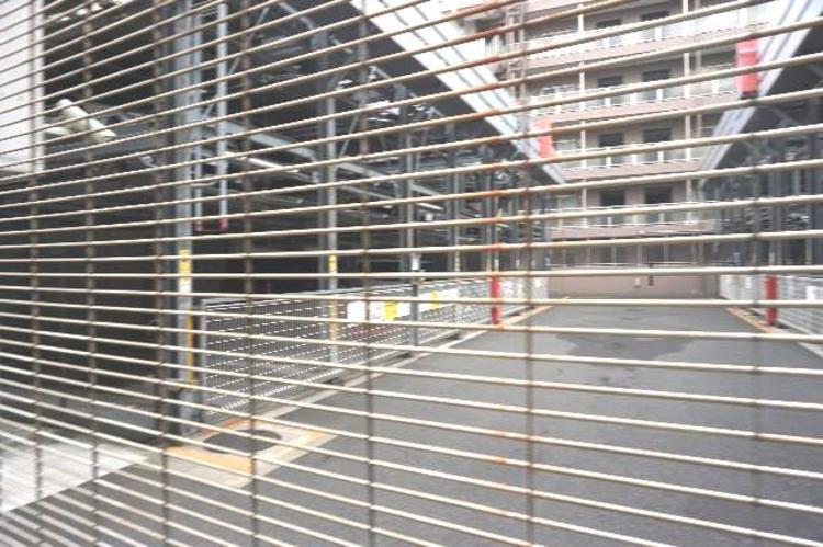 小田急線「愛甲石田」駅徒歩約6分の立地です。