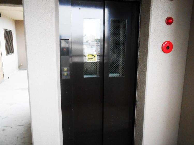 エレベーター完備です。