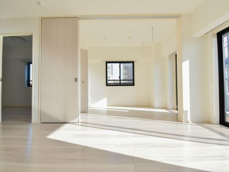 12帖のリビングは形がきれいで家具の配置がスムーズにおこなえそうです。
