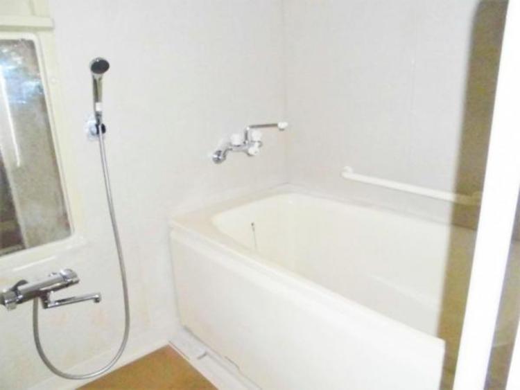 ●足を延ばせる浴槽はくつろぎのひと時!