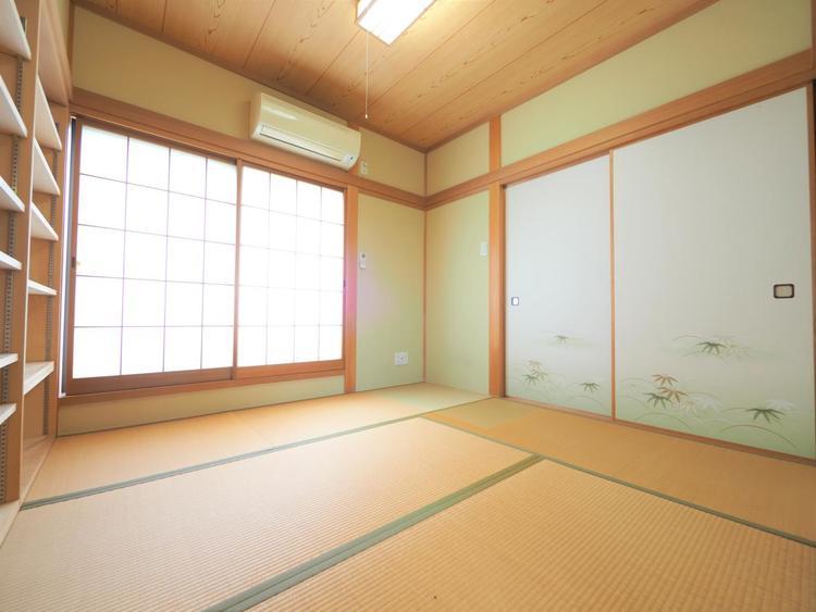 和室は有るだけでも落ち着く空間。畳は吸放湿効果があり、カビ防止に役立ちます。