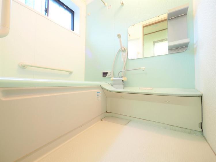 広い浴室でゆったりと過ごすバスタイム。日々頑張る毎日の心と体をリフレッシュ。