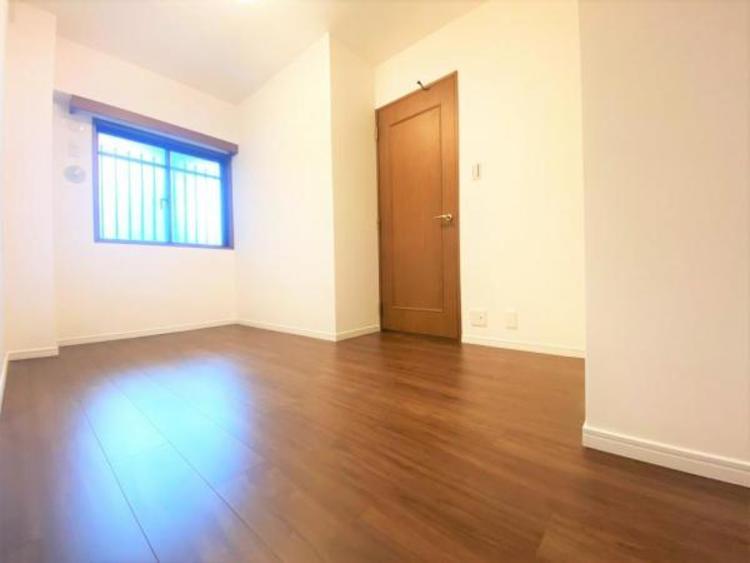 西面洋室(5.0帖) どの居室も明るく通風良好です