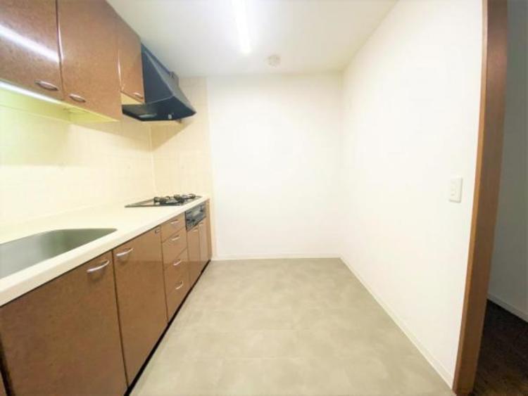 ゆとりのあるキッチン 作業スペースが広くとれるので、下ごしらえから盛り付けまでをスムーズに行えます!