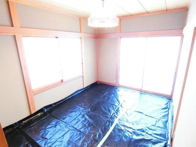 2階 約6帖の和室です。畳のお部屋は寛げる空間ですね。
