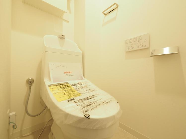 汚れをふき取り易いフロア・壁紙と洗浄便座になっておりますので、とても清潔にご使用いただけます。