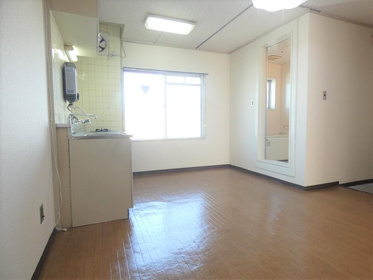 浴室とキッチンが近いので家事動線も楽に。