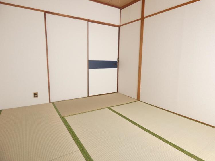 約4.5帖の和室です。