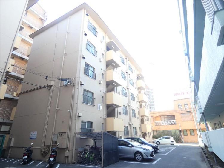 5階建て5階部分のお部屋になります。