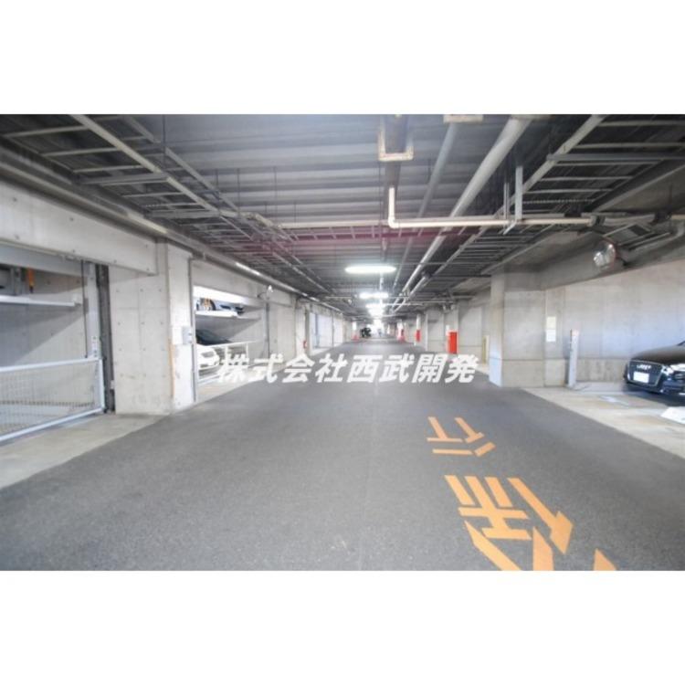 雨の日の入出庫が苦にならない屋内の立体駐車場です!