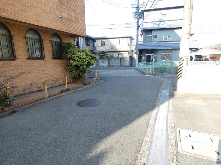 駅から徒歩約5分と便利な立地です。