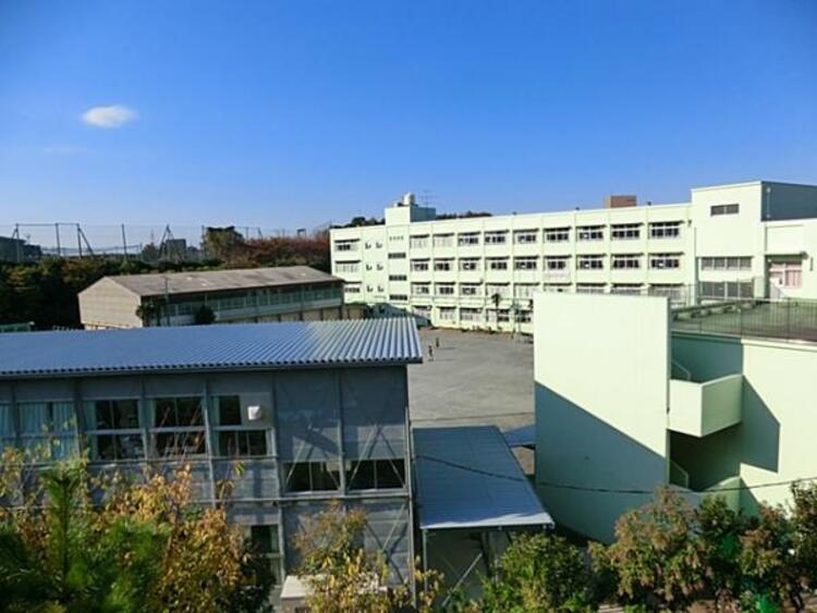 横浜市立篠原西小学校 1231m
