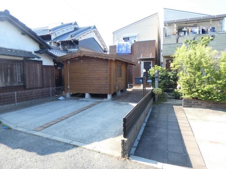 近鉄南大阪線「古市」駅より徒歩約10分の中古戸建。