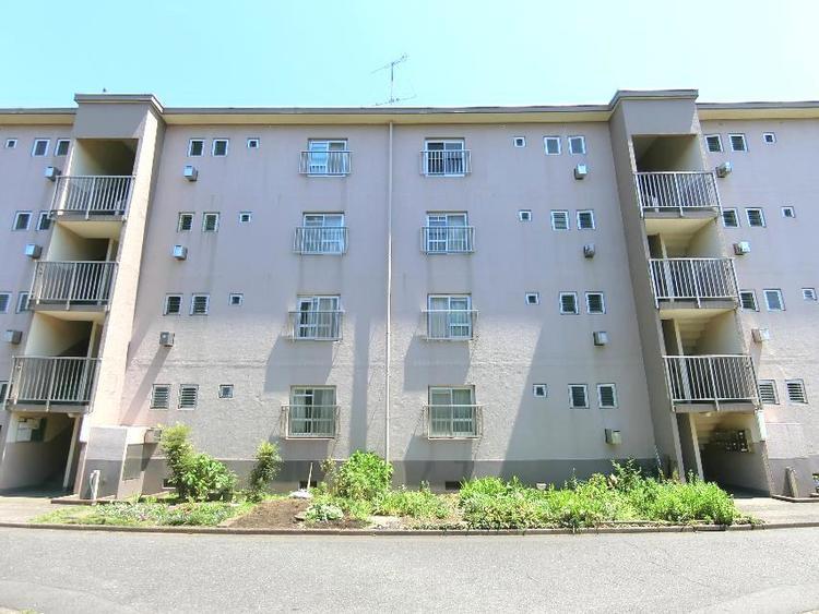 1969年7月竣工のRC造4階建てマンションです