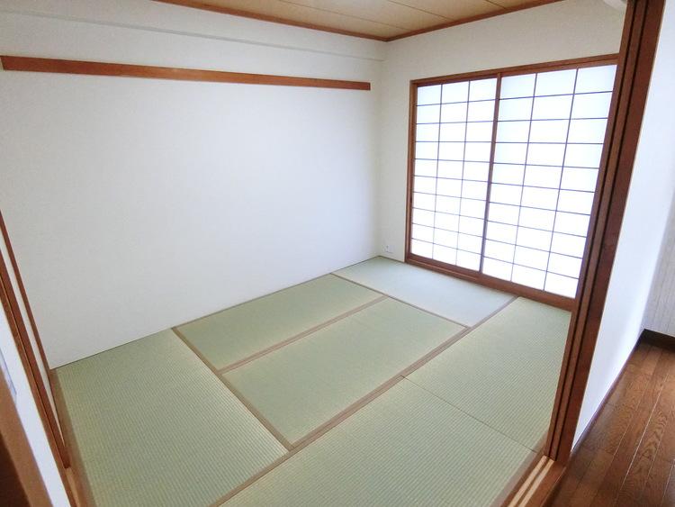和室も明るい日差しを感じられます。
