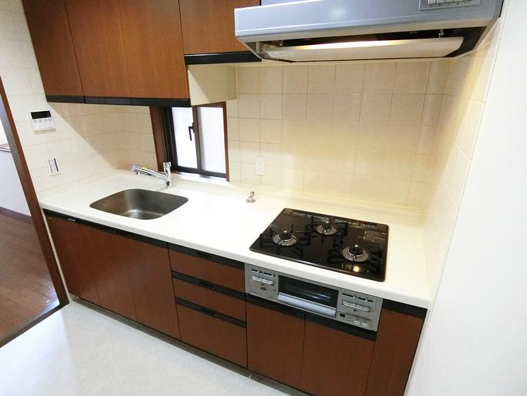 収納豊富で使いやすいキッチン、毎日のお料理も楽しくできますね。
