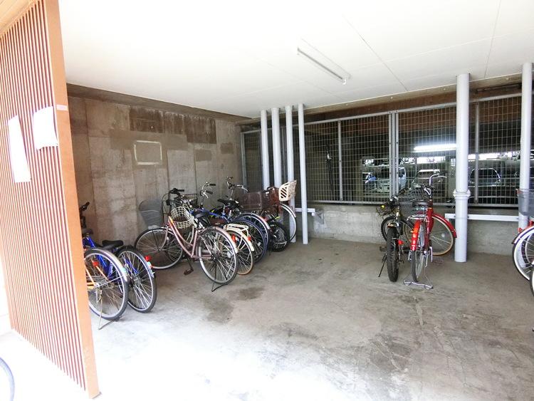 駐輪場です。最新の空き状況はお問い合わせ下さい。