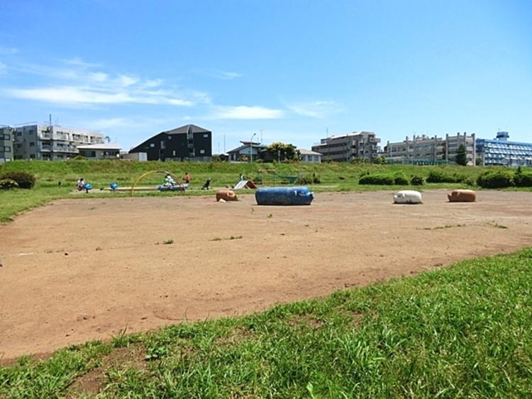 多摩川玉川公園 徒歩5分(約400m)