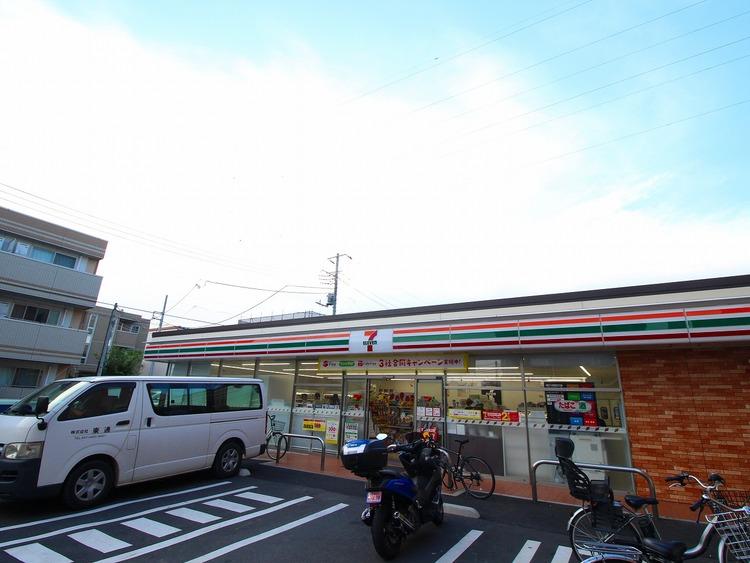 セブンイレブン葛飾奥戸店:820m