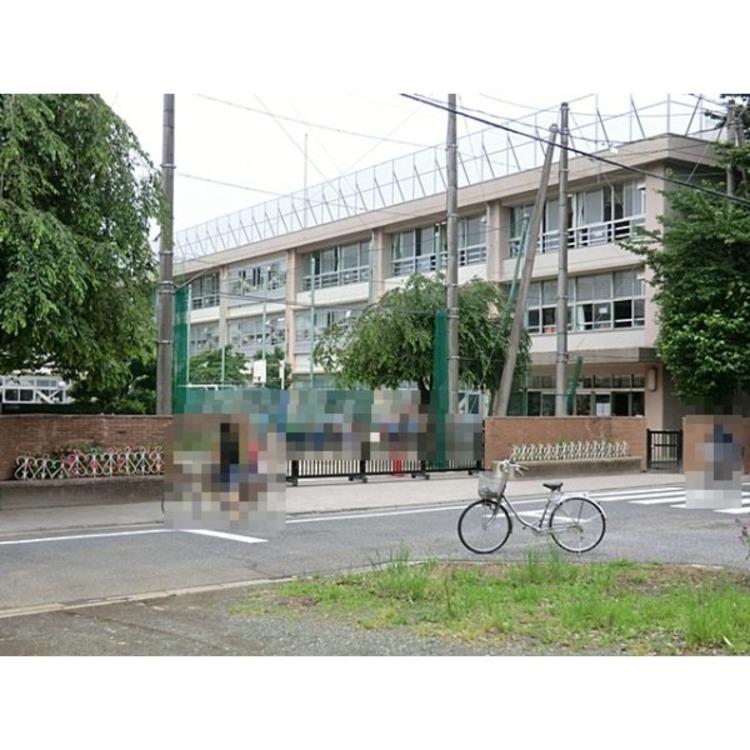 練馬区立石神井台小学校(約690m)