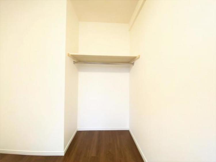 西面洋室(5.0帖) 収納棚
