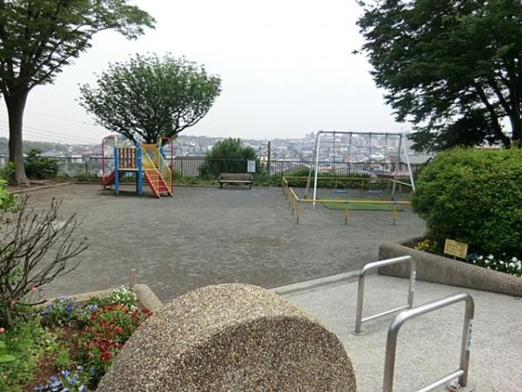 永田台公園 約270m