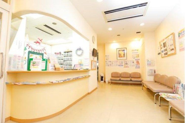 フジモト新宿クリニックまで160m。開院当初から「訪問診療」と「外来」を二本柱に地域に貢献するクリニック。