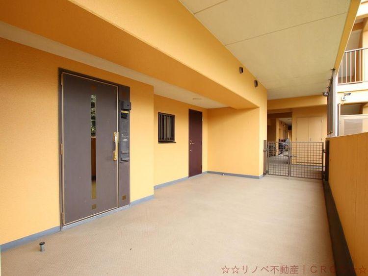 玄関前のポーチは21.61m2!の広さがあります