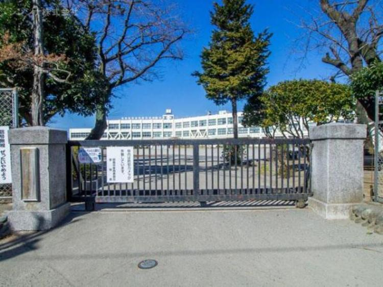 昭島市立拝島第三小学校 580m