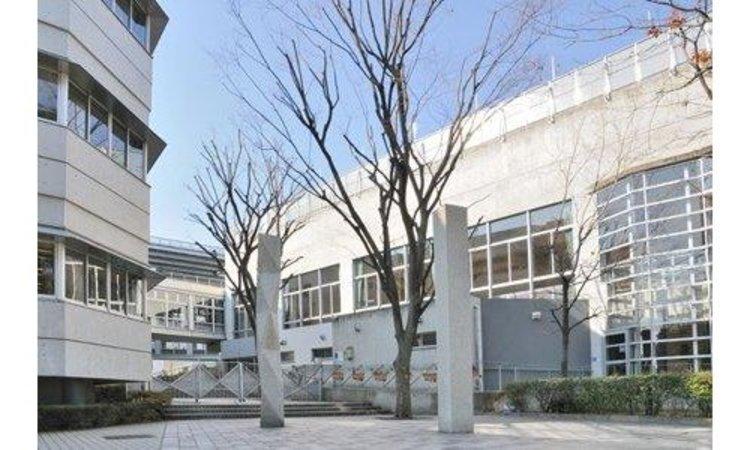新宿区立落合中学校まで560m 。東京都新宿区下落合にある公立中学校。 1947年に設立。