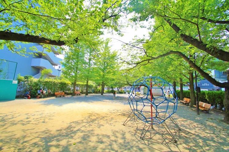 中葛西5丁目児童遊園:447m