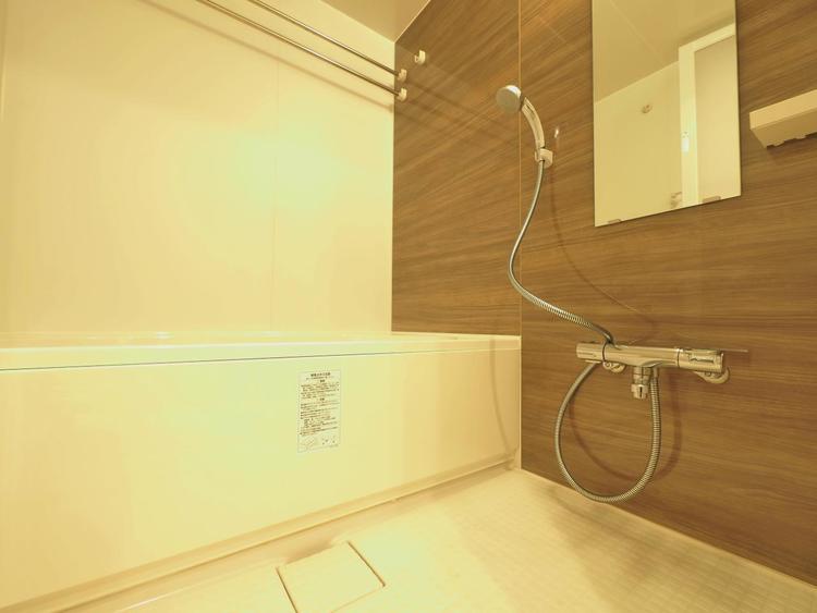 毎日のお風呂時間は、入浴剤のほかにもアロマを入れるなどして、リフレッシュしたいですね。