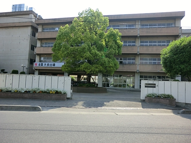 上尾東中学校 徒歩18分(約1400m)