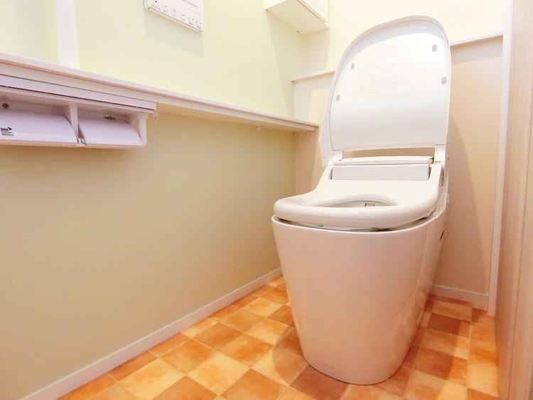 全自動おそうじトイレです。