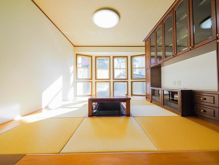 癒しの和空間。家族団らんの場に和のテイストが自然にマッチした、心地良く快適な雰囲気です。