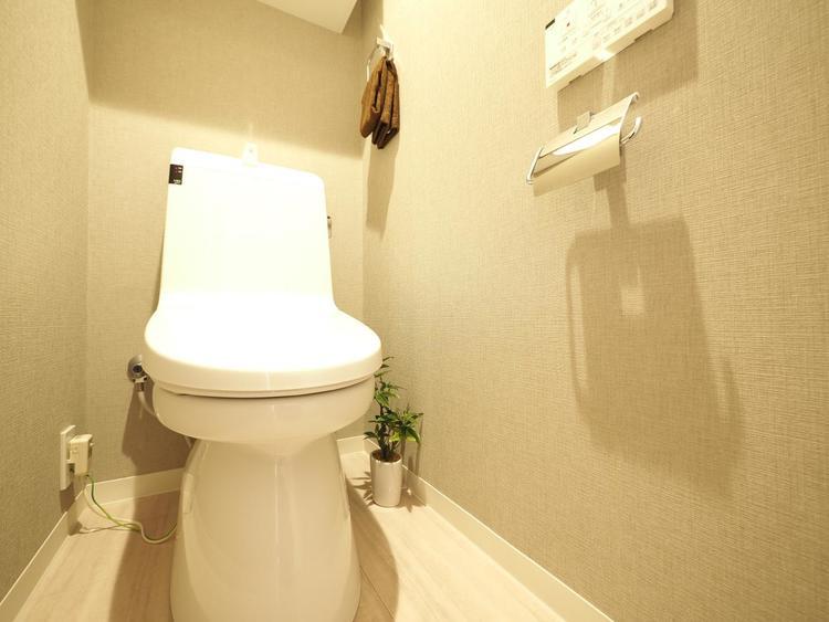 トイレ関係の設備も一新されています。いつも綺麗で清潔なシャワー付トイレです。