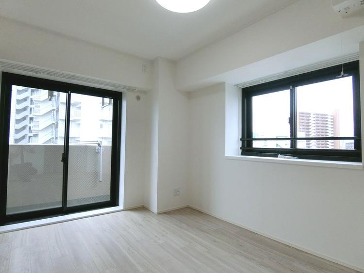 約6帖の洋室です。バルコニーに面したお部屋です。