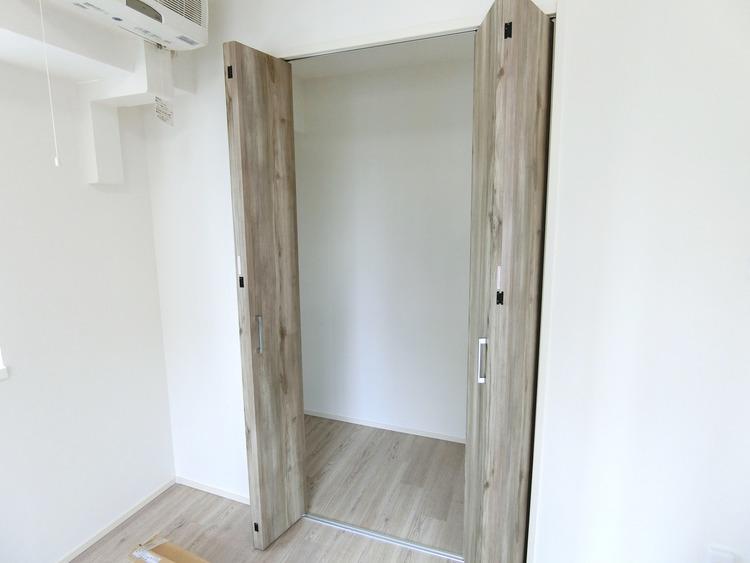 収納付きのお部屋は室内スペースを広く使えます。