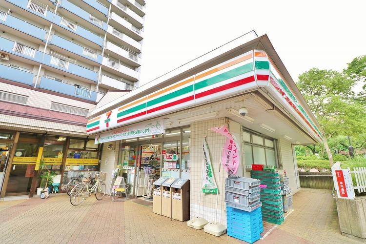 セブン-イレブン 東大島駅前店:110m