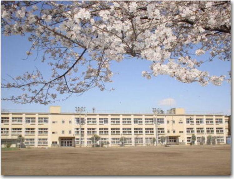 日野市立第二中学校まで1250m