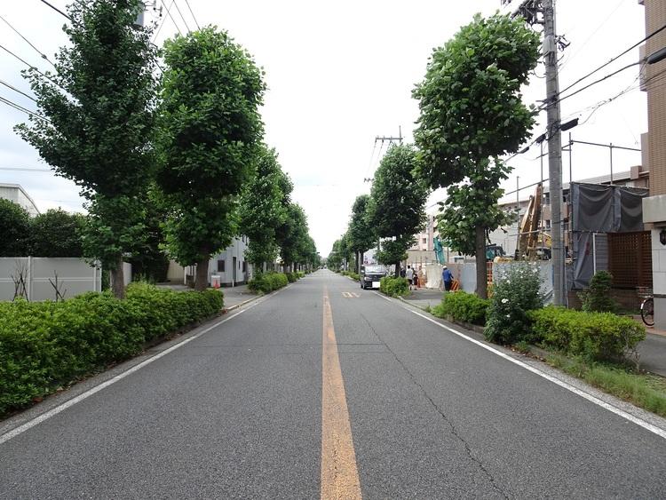 「久地」駅より徒歩約9分の立地です。