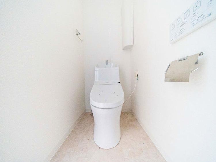 トイレ新規交換、保温洗浄便座新規取付