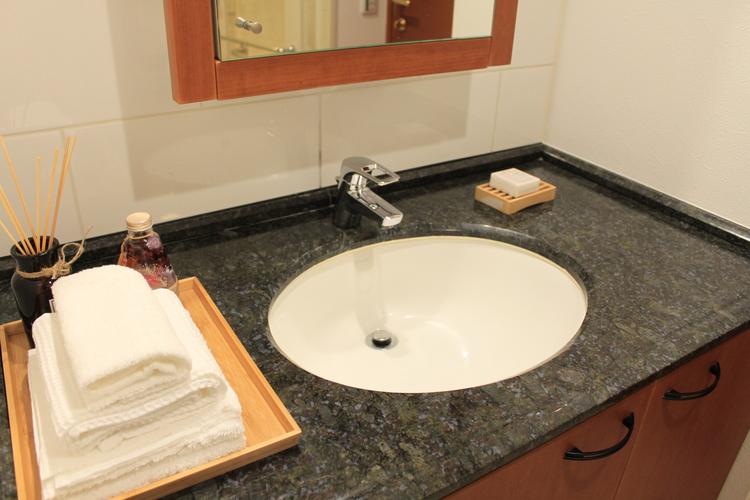 まるでホテルのような洗面台。
