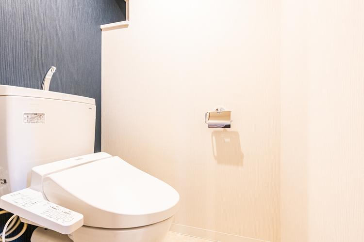 嬉しい温水洗浄便座が装備されています。