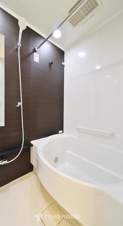 天気に左右されずに洗濯物を乾かせる、浴室乾燥機とオートバス機能付きです。